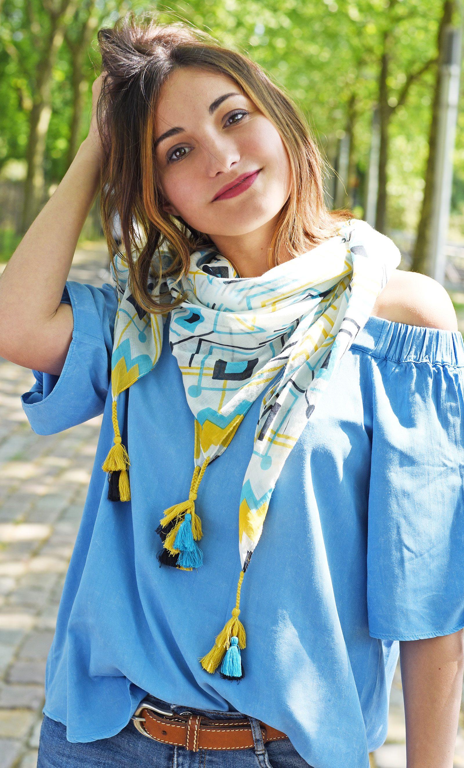 http://lookbook.allee-du-foulard.fr/wp-content/uploads/2018/06/0679-ADF-Accessoires-de-mode-LB-Coll_geometrique-chiapa-bleu-1-1600x2650.jpg