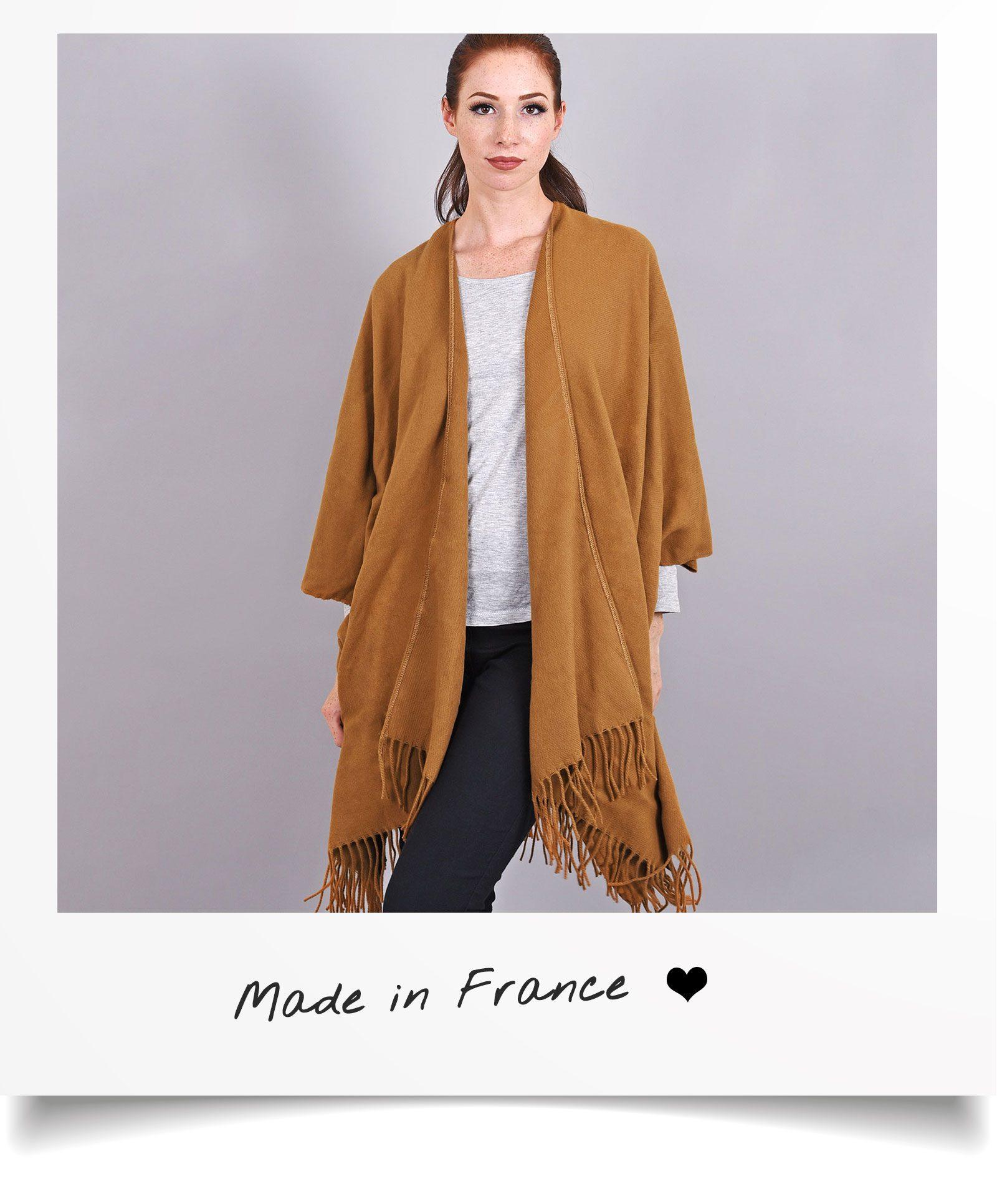 http://lookbook.allee-du-foulard.fr/wp-content/uploads/2018/06/0680-ADF-Accessoires-de-mode-LB-Soldes-Ete-poncho-casa-1600x1930.jpg
