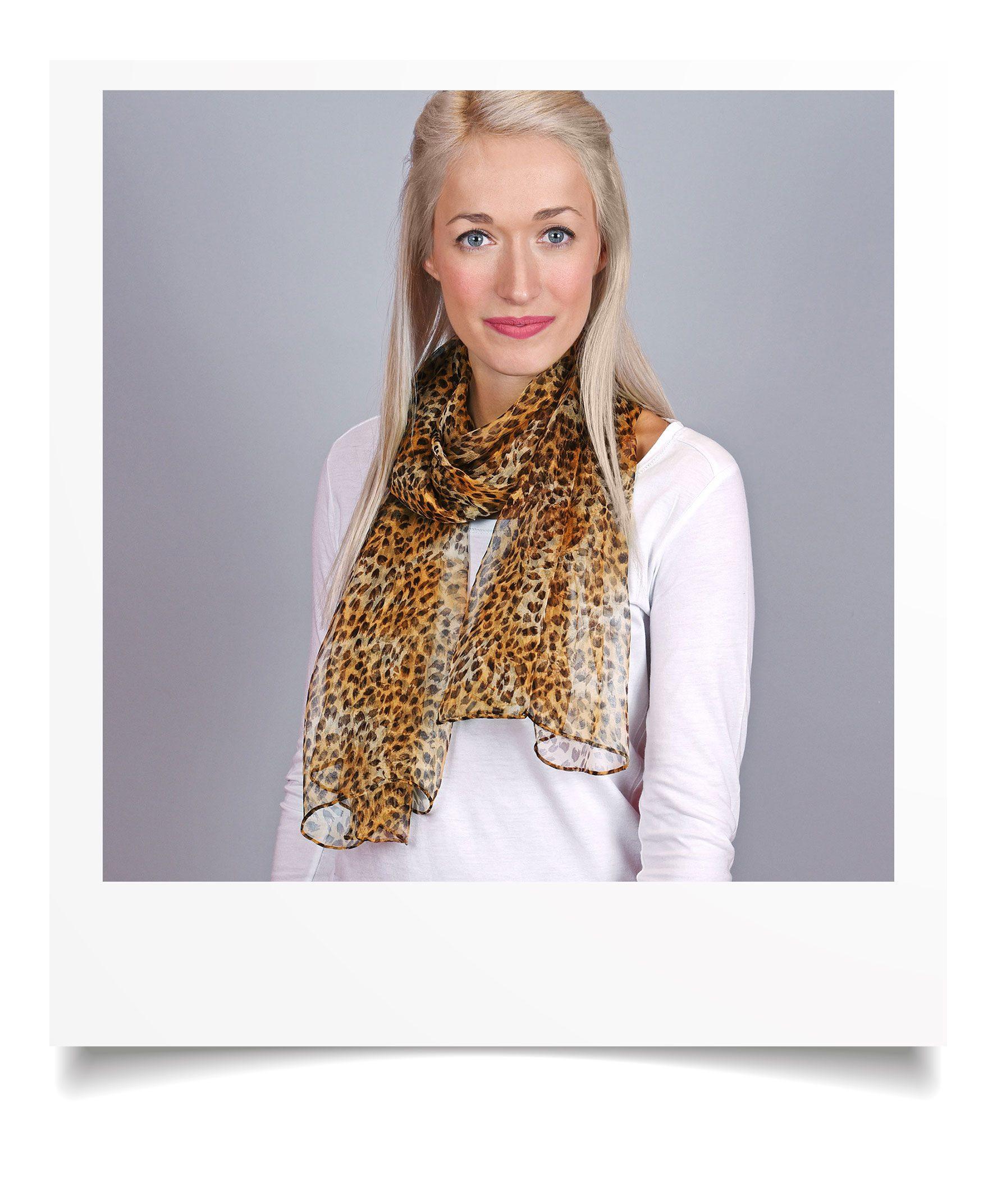 http://lookbook.allee-du-foulard.fr/wp-content/uploads/2018/09/0695-9-ADF-Accessoires-de-mode-LB-Selection_leopard-mousseline-guepard-1776x2144.jpg