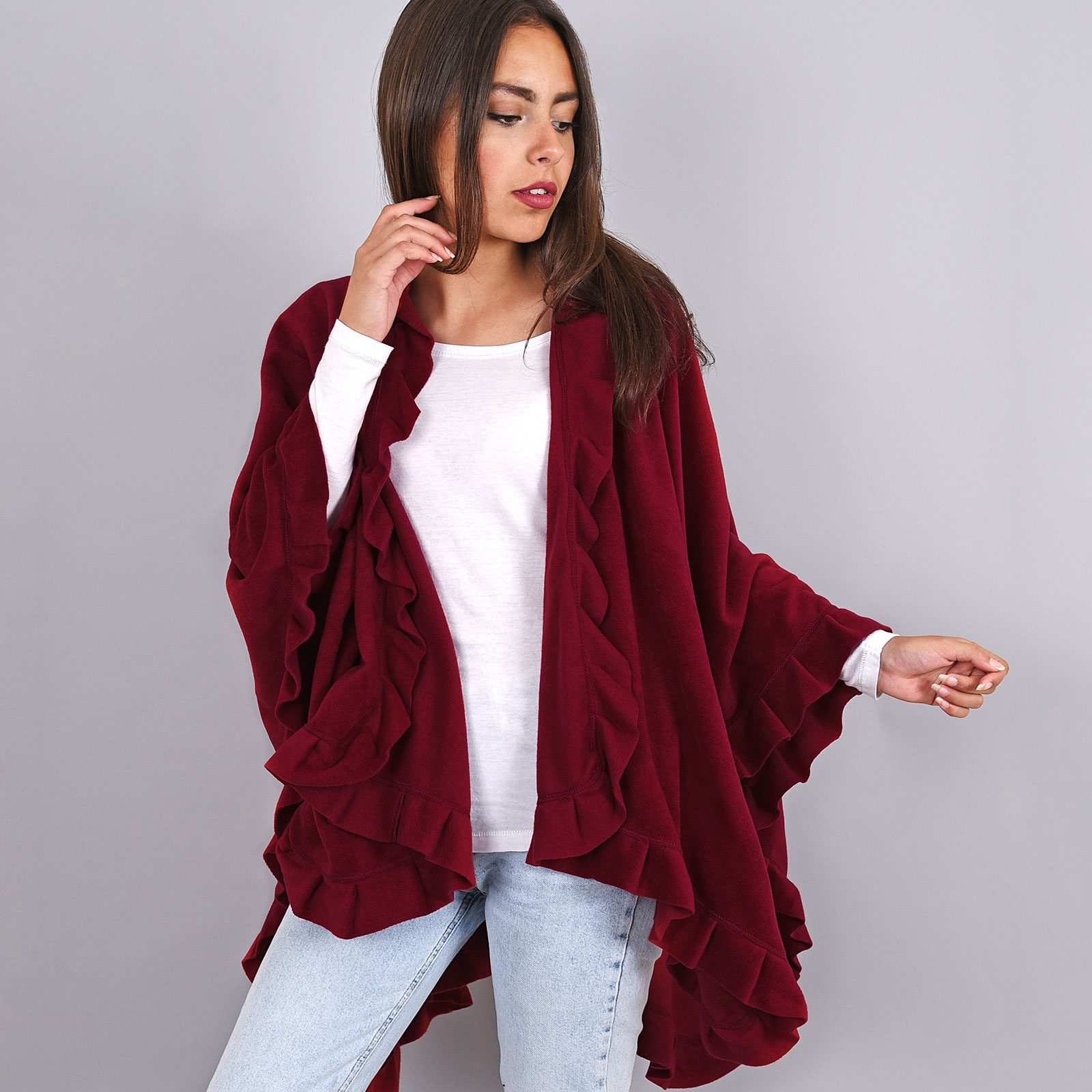 http://lookbook.allee-du-foulard.fr/wp-content/uploads/2018/11/AT-00894-VF16-poncho-cape-polaire-bordeaux-1600x1600.jpg