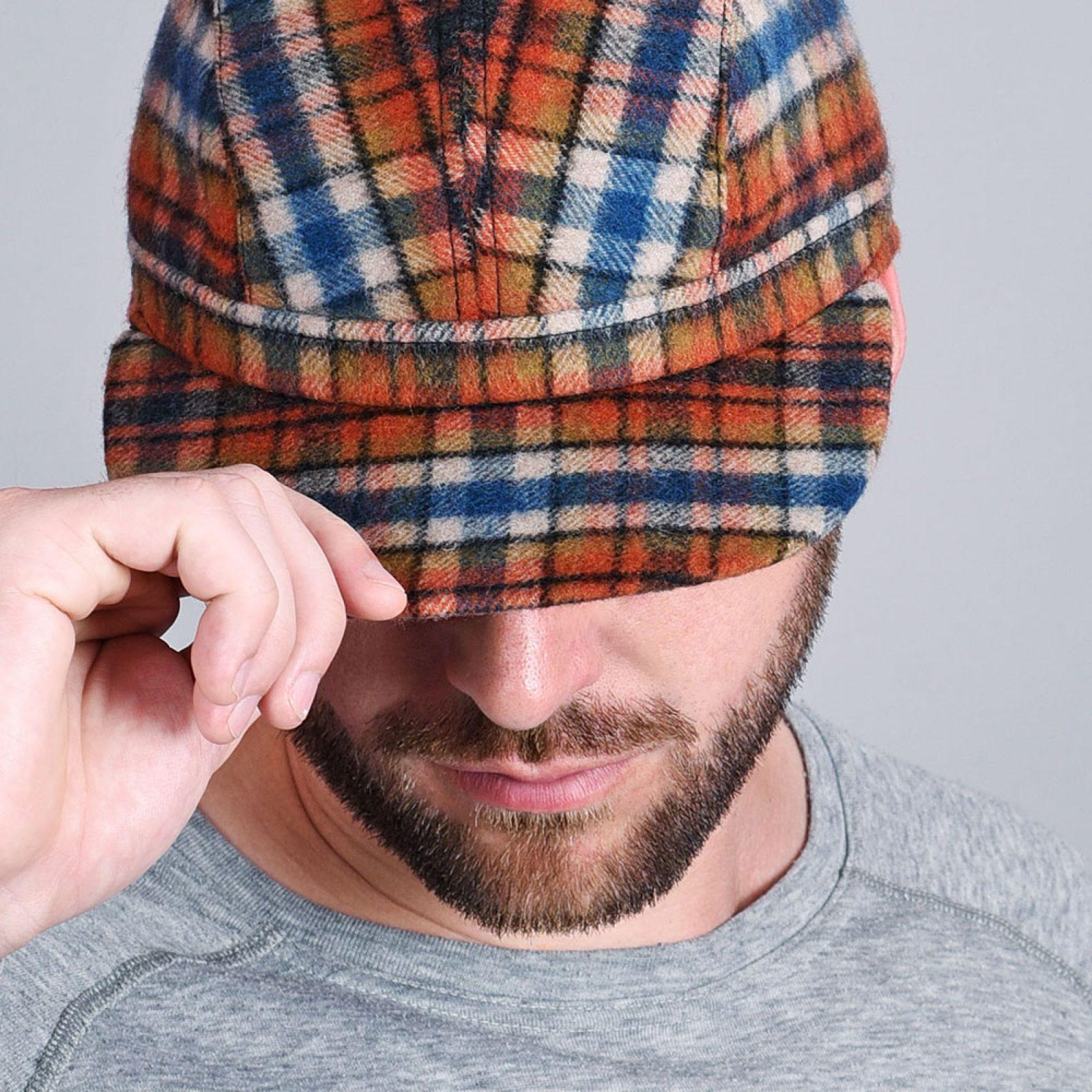 http://lookbook.allee-du-foulard.fr/wp-content/uploads/2018/11/CP-01008-VH10-3-casquette-laine-orange-1600x1600.jpg