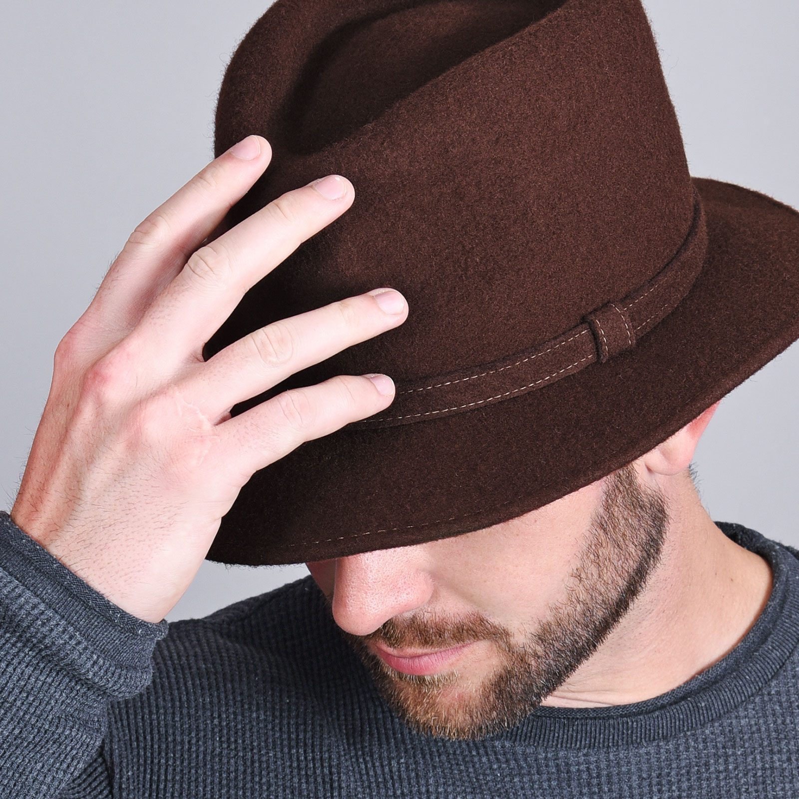 http://lookbook.allee-du-foulard.fr/wp-content/uploads/2018/11/CP-01016-VH16-2-borsalino-homme-marron-feutre-laine-1600x1600.jpg