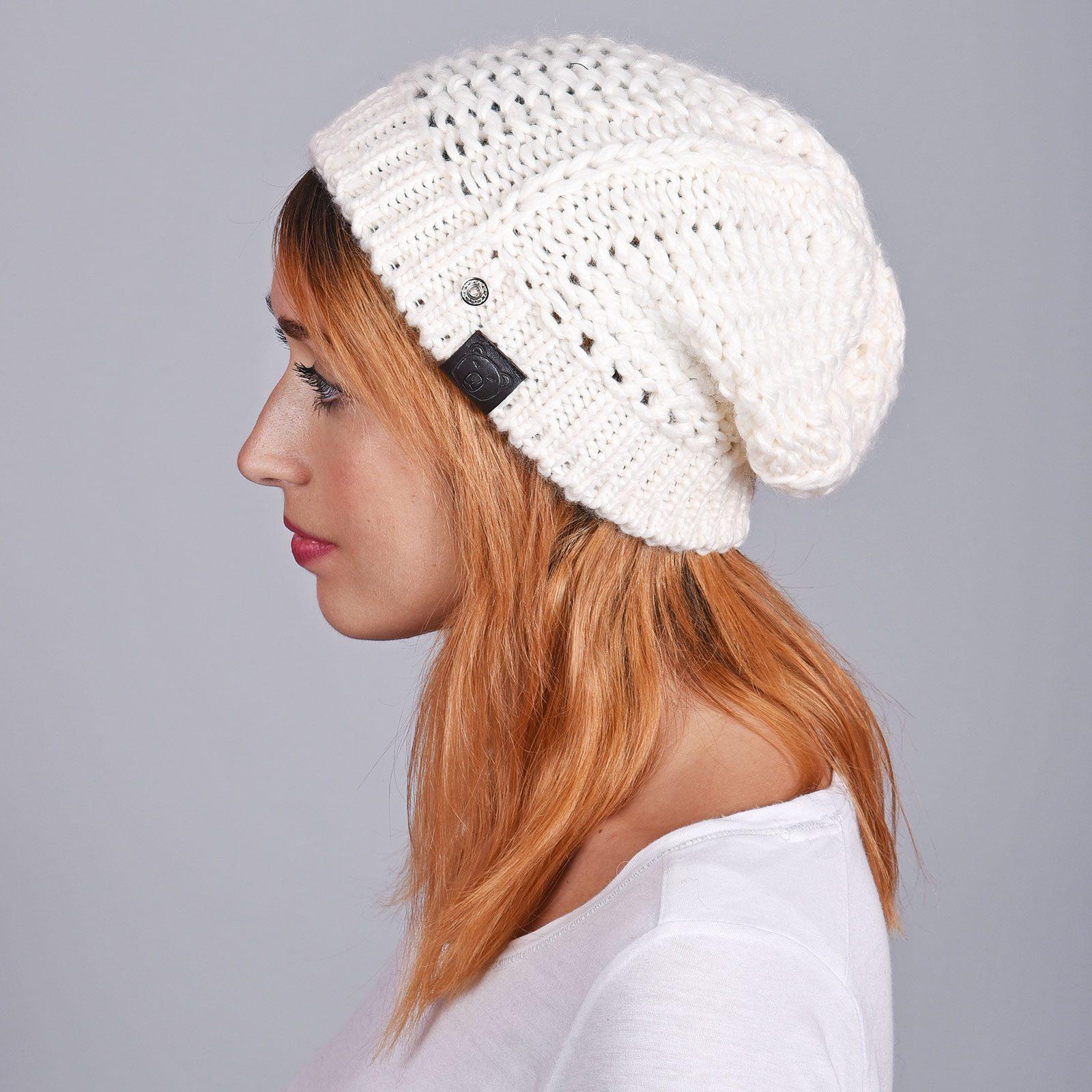 http://lookbook.allee-du-foulard.fr/wp-content/uploads/2018/12/CP-01071-VF16-1-bonnet-femme-hiver-blanc-1600x1600.jpg