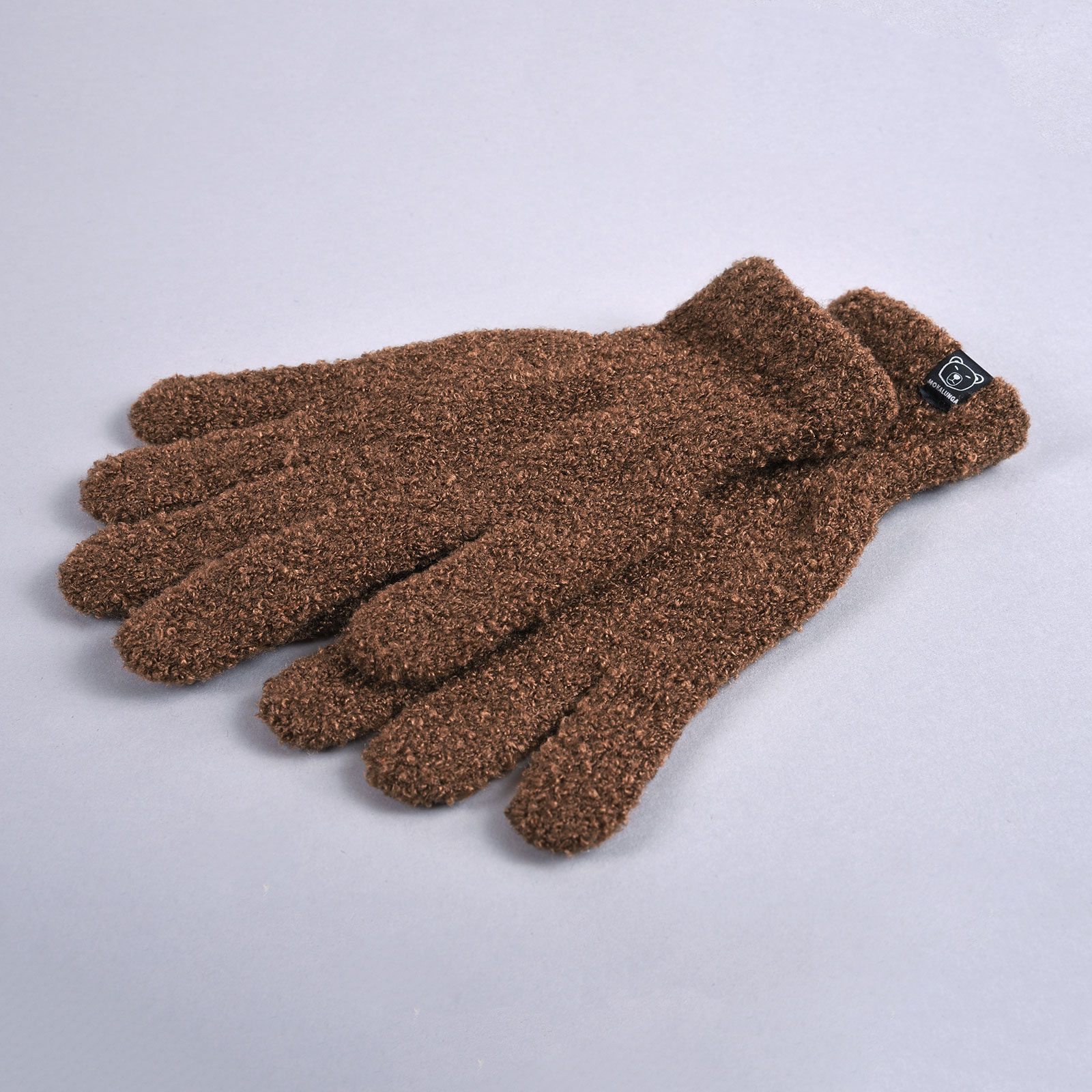 http://lookbook.allee-du-foulard.fr/wp-content/uploads/2018/12/GA-00018-F16-2-gants-femme-camel-1600x1600.jpg