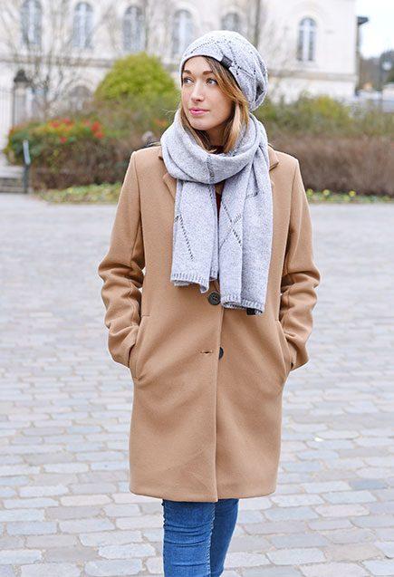http://lookbook.allee-du-foulard.fr/wp-content/uploads/2019/01/0724-ADF-Accessoires-de-mode-LB-Manteau-Camel-H19-Ensemble-Adama-1-435x637.jpg