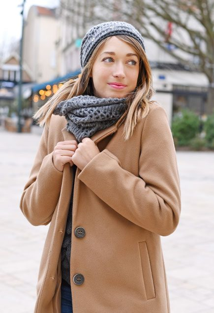 http://lookbook.allee-du-foulard.fr/wp-content/uploads/2019/01/0724-ADF-Accessoires-de-mode-LB-Manteau-Camel-H19-Ensemble-Licia-1-435x637.jpg
