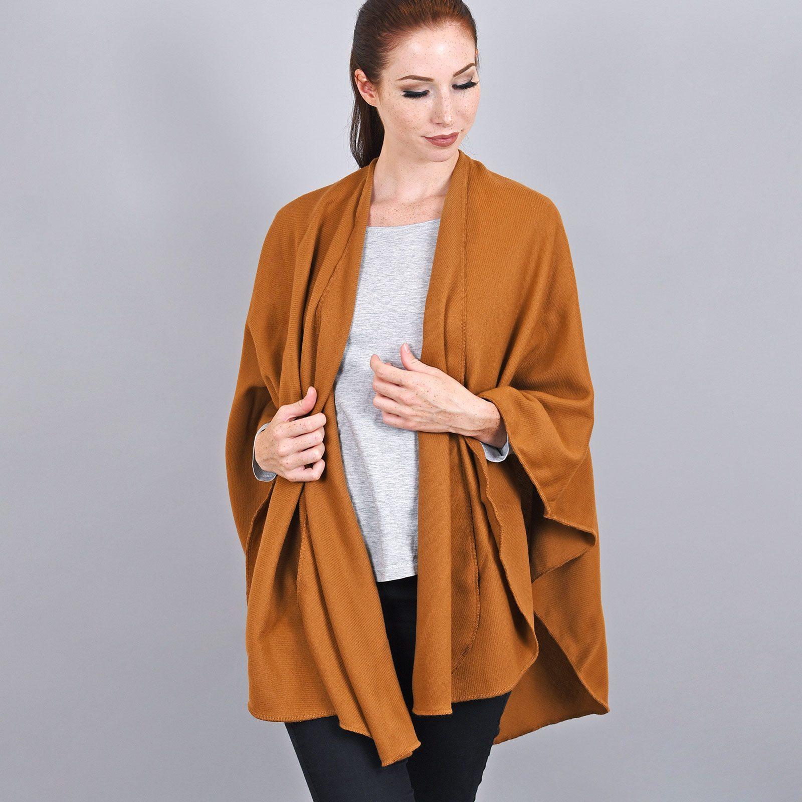 http://lookbook.allee-du-foulard.fr/wp-content/uploads/2019/01/AT-03256-VF16-poncho-rond-fabrique-en-france-marron-ocre-1600x1600.jpg