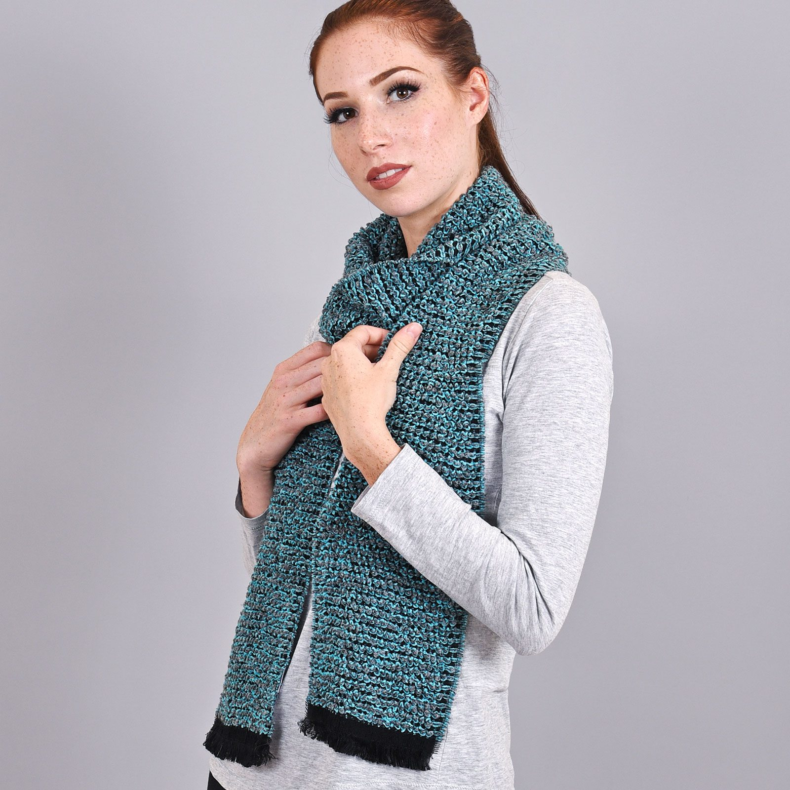 http://lookbook.allee-du-foulard.fr/wp-content/uploads/2019/01/AT-03479-VF16-echarpe-femme-fabrication-france-turquoise-1600x1600.jpg