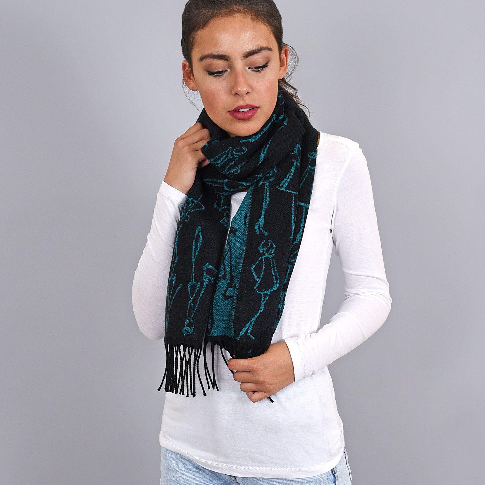 http://lookbook.allee-du-foulard.fr/wp-content/uploads/2019/01/AT-03942-VF16-echarpe-femme-noire-verte-1600x1600.jpg