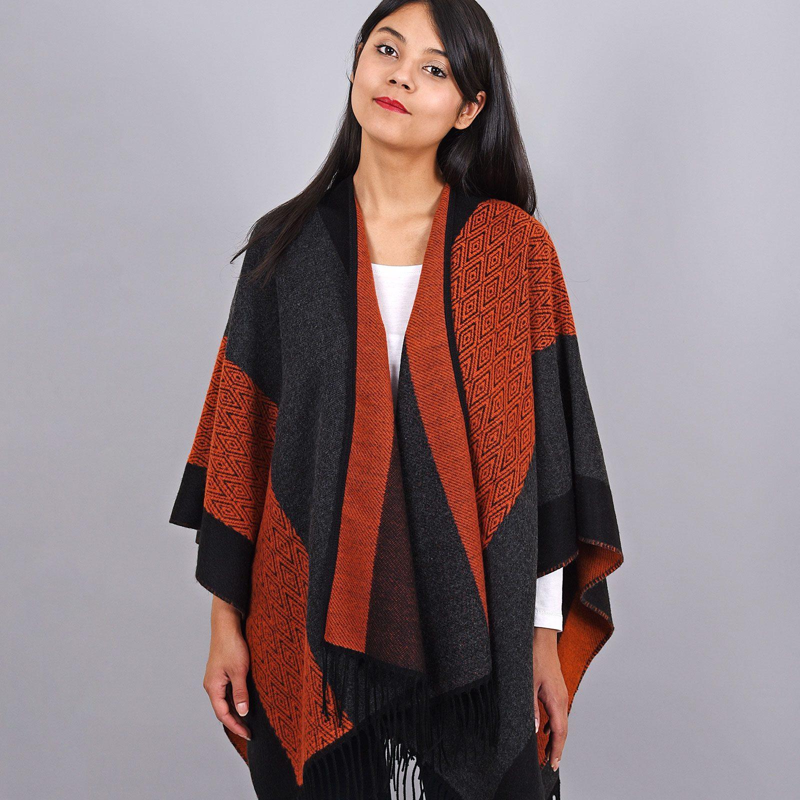 http://lookbook.allee-du-foulard.fr/wp-content/uploads/2019/01/AT-03964-VF16-poncho-femme-rouge-noir-1600x1600.jpg