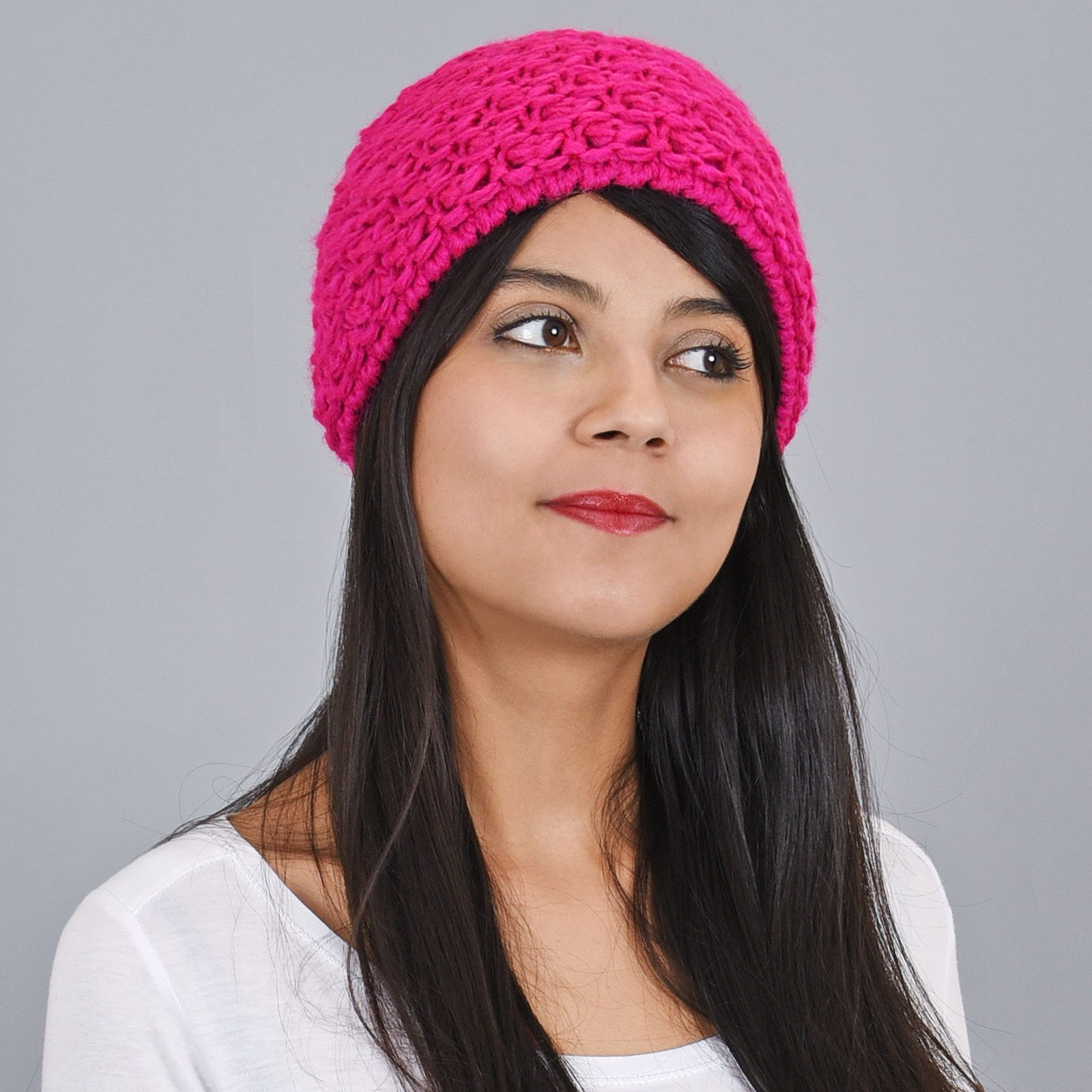 http://lookbook.allee-du-foulard.fr/wp-content/uploads/2019/01/CP-00812-VF16-bonnet-court-femme-rose-fuchsia-1600x1600.jpg