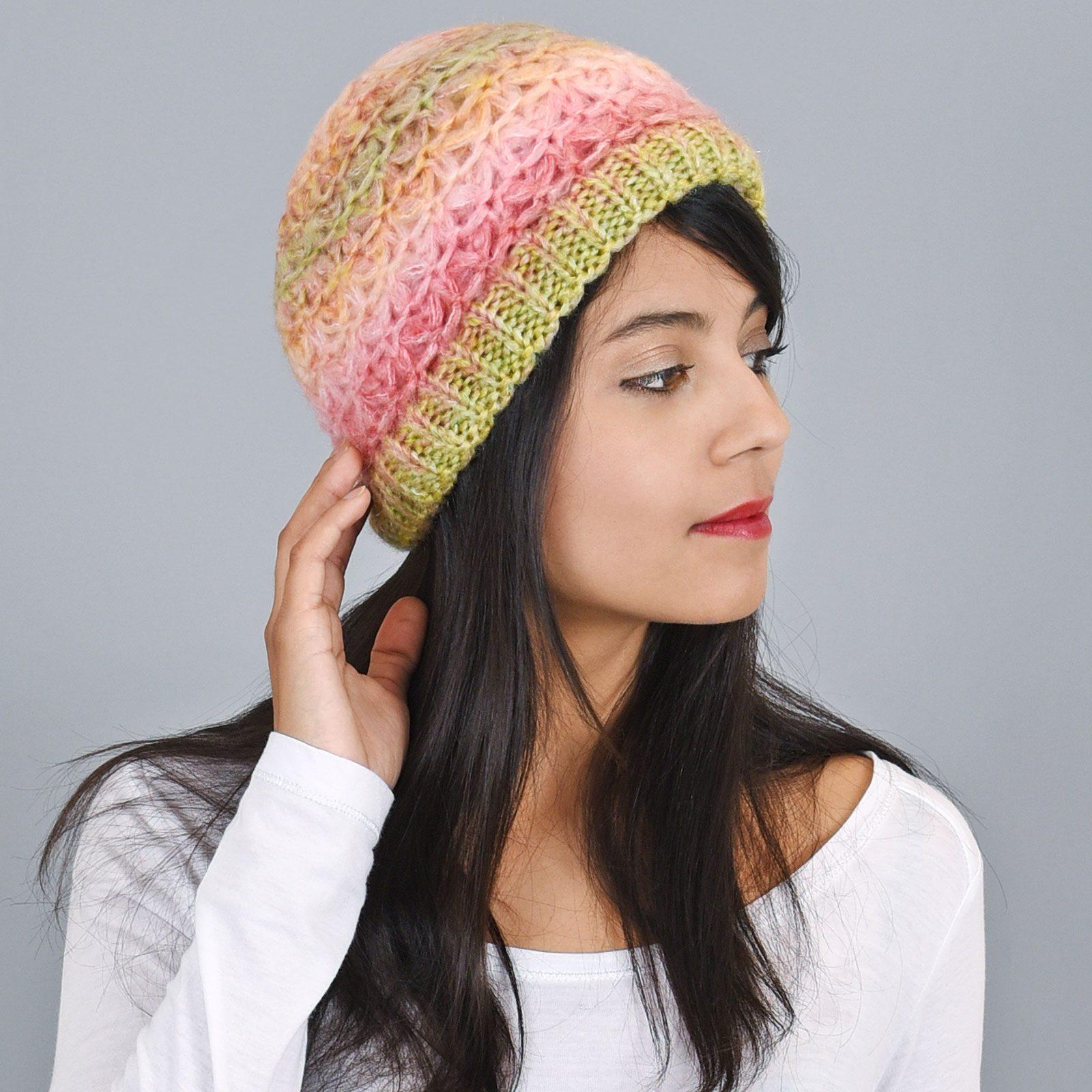 http://lookbook.allee-du-foulard.fr/wp-content/uploads/2019/01/CP-00818-VF16-bonnet-femme-hiver-jaune-rose-1600x1600.jpg