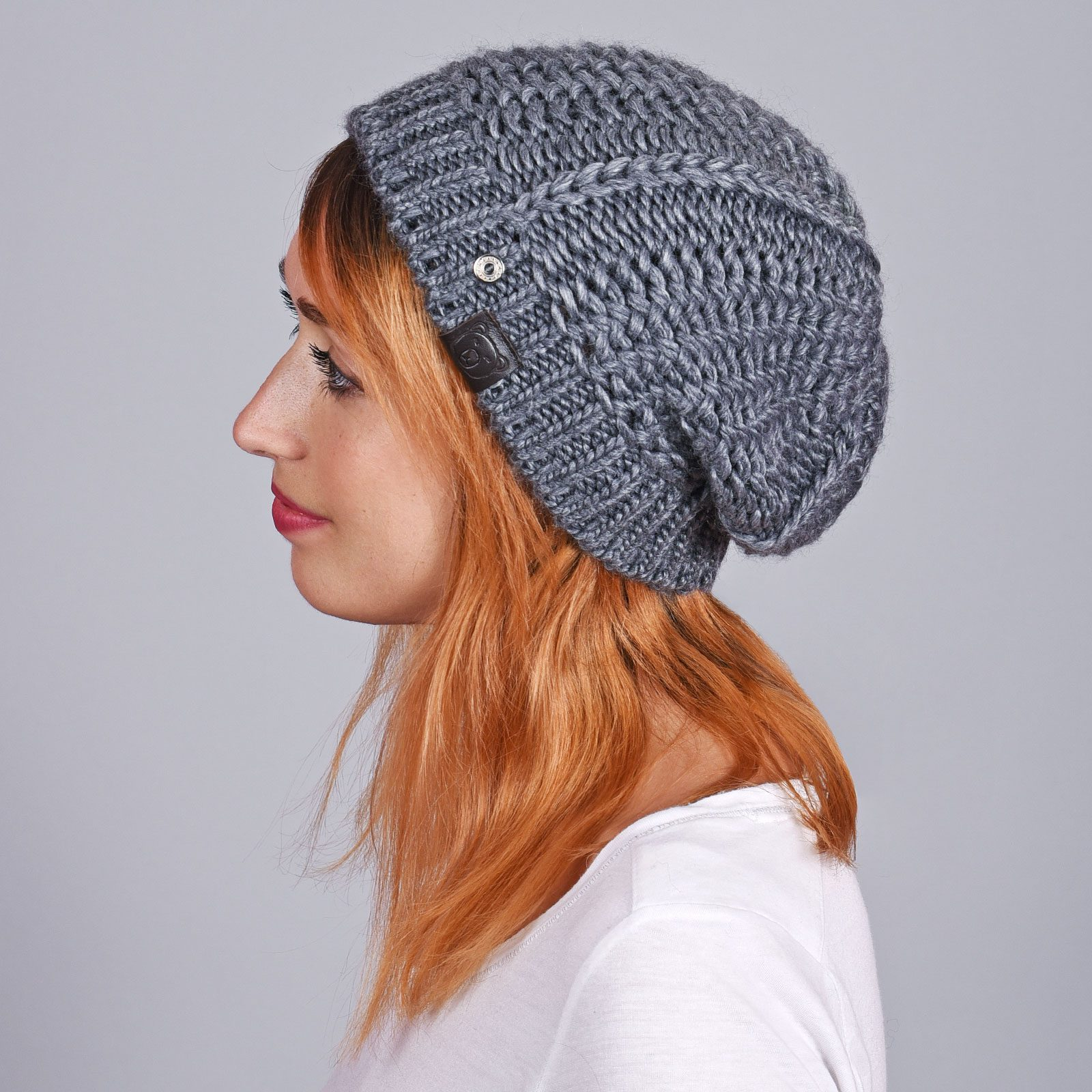 http://lookbook.allee-du-foulard.fr/wp-content/uploads/2019/01/CP-01069-VF16-1-bonnet-femme-gris-ardoise-1600x1600.jpg